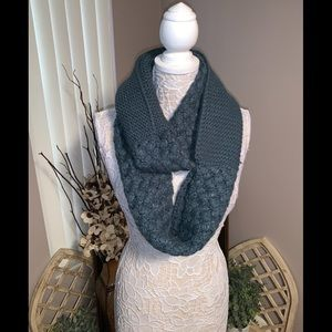 🍂🍁Thick Knit Infinity Scarf🍂🍁